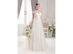Strapless sweetheart pleated applique lace wedding dress  Lace and tulle