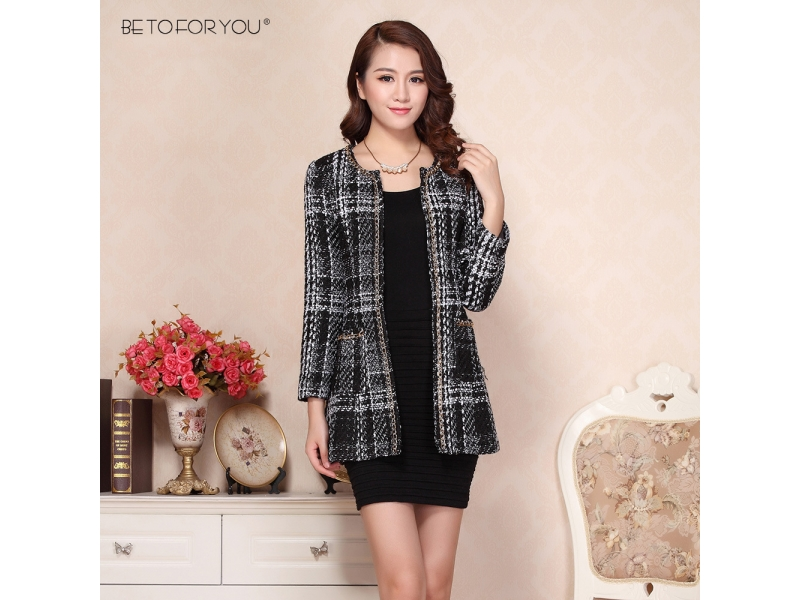 The new south Korean women's clothing woolen cloth short coat female tassel European cloth coat