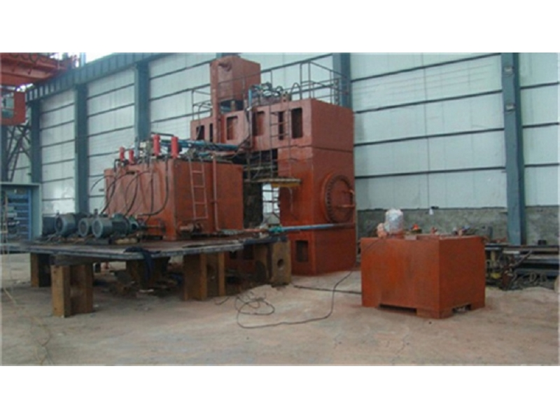 426 Tee Forming Machine