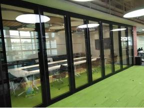 Foreign trade factory specializing in the sale of glass screen materials, mobile soundproof doors, m