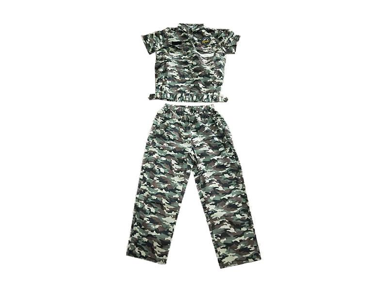 Camouflage short sleeve suit
