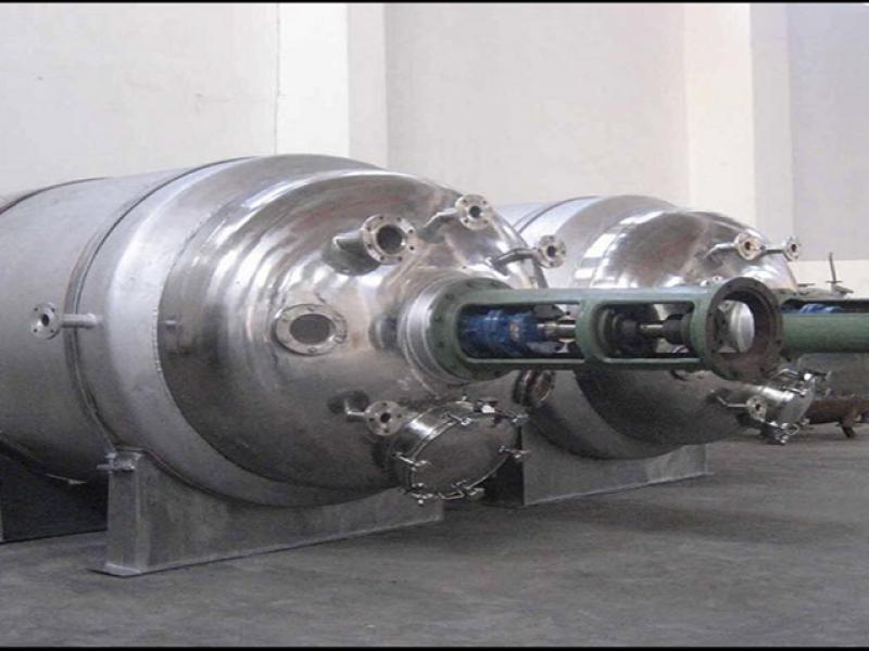 Traditional production equipment in chemical and pharmaceutical industries