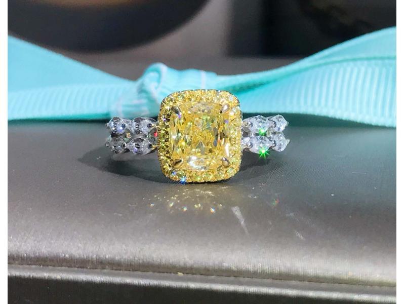 Yellow diamond horse eye diamond ring female simulation diamond wedding engagement couple ring