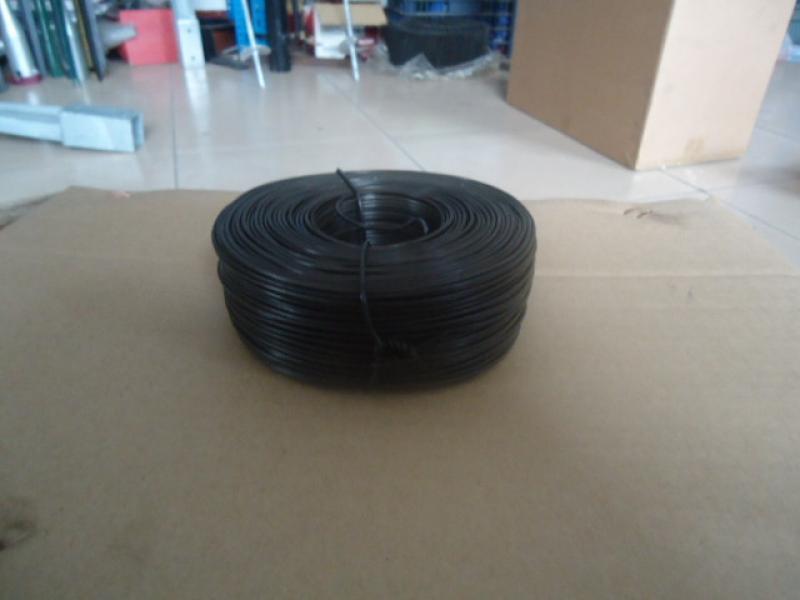 hole tie wire