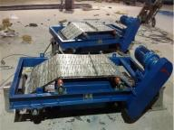 Self-unloading electromagnetic iron remover