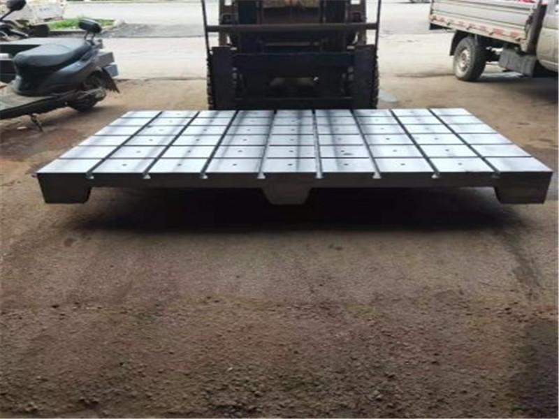 Horizontal and vertical t-slot platform