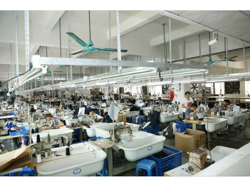 Guangzhou Younilai Garment Co., Ltd.