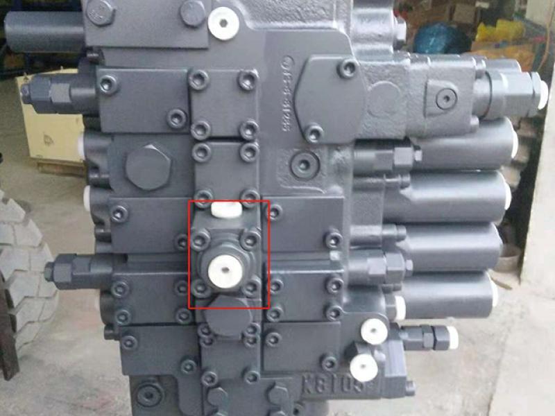 Main control valve DH370 410105-00081 for doosan  excavator