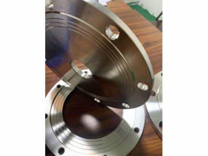 Stainless steel variable diameter flange