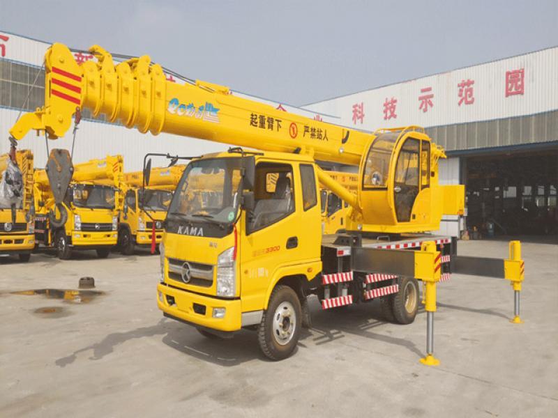 New 8 ton truck crane