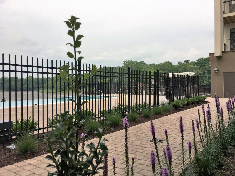 Hot selling galvanized steel palisade spear top metal fence