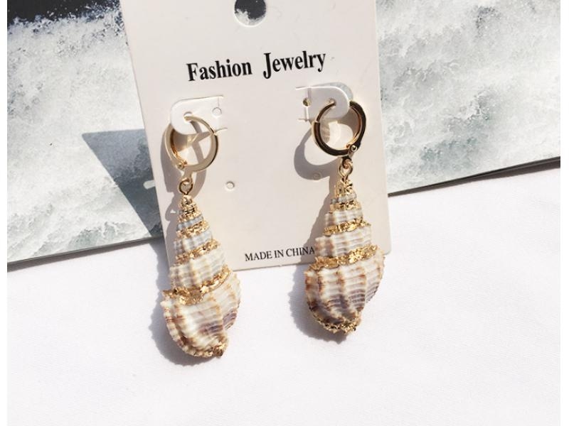 European and American cross-border 2019 fashion new retro exaggerated conch minority earrings gilt e