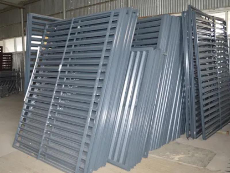 Wrought Iron Gates, New Products Steel Gates, Factory Supply Metal Gates