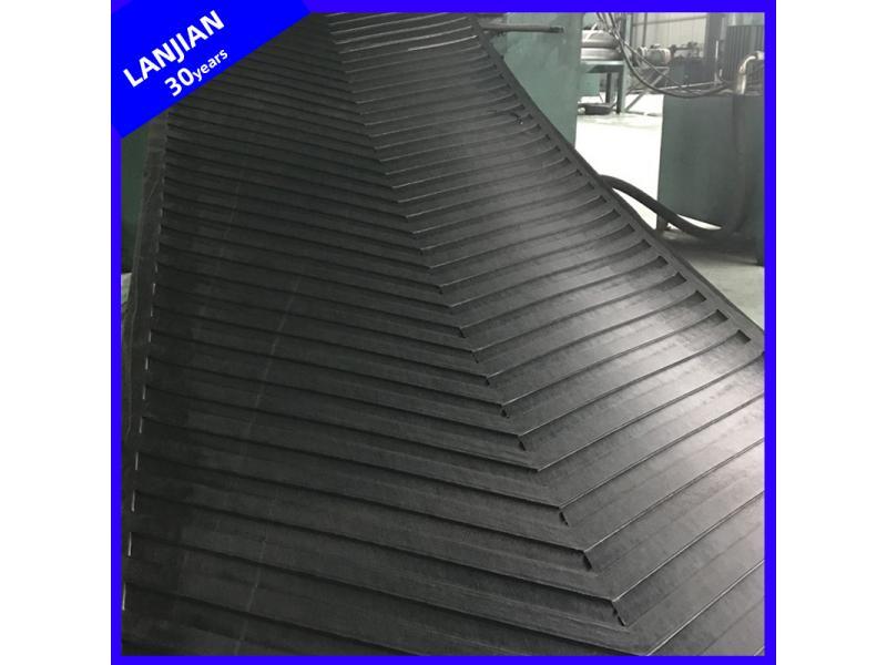 Abrasion Resistant Open V/U C20 Rubber Chevron Pattern Conveyor Belt