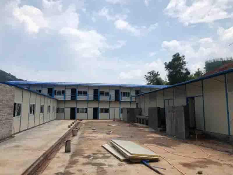 Safe and Durable Prefabricated Steel Structure Light Flat Roof Prefab House