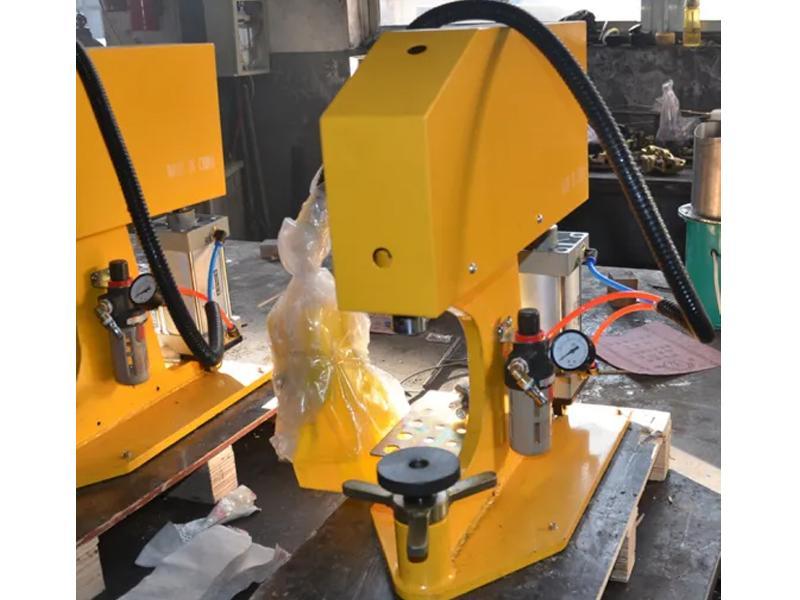 Pneumatic Brake Lining Rivet Machine