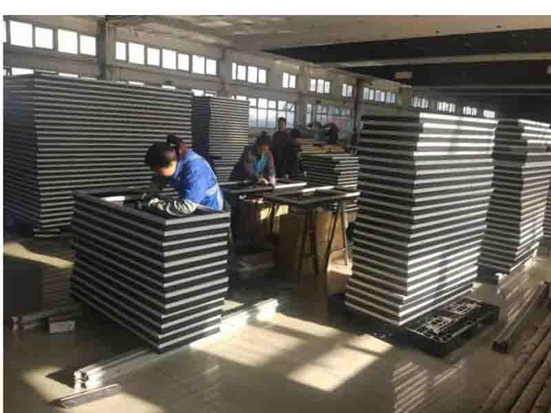 Tianjin Lian Jilong Doors & Windows Co.,ltd.