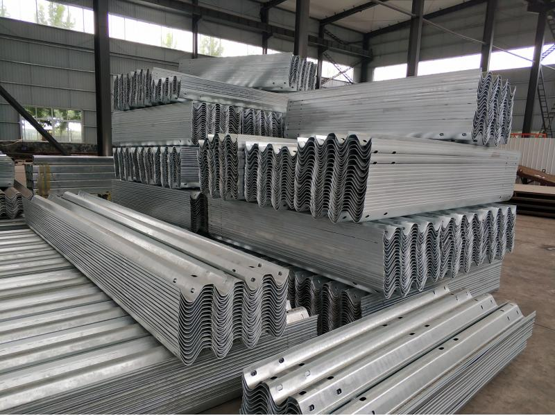 EN1317 H1 Galvanized Highway Guardrail Traffic Road Crash Barrier Beams