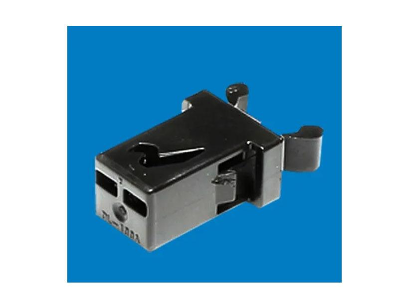 Plastic Push Door Latch