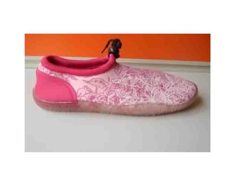 Aqua Shoes -03