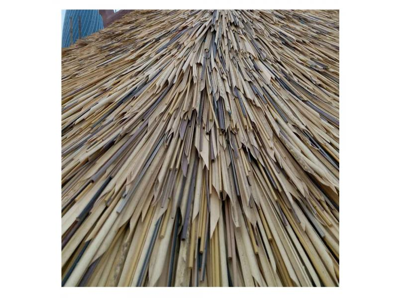 New Arrival Factory Wholesale Good Flexibility PVC PE Fireproof Synthetic Roof Lowes Thatch Umbrella