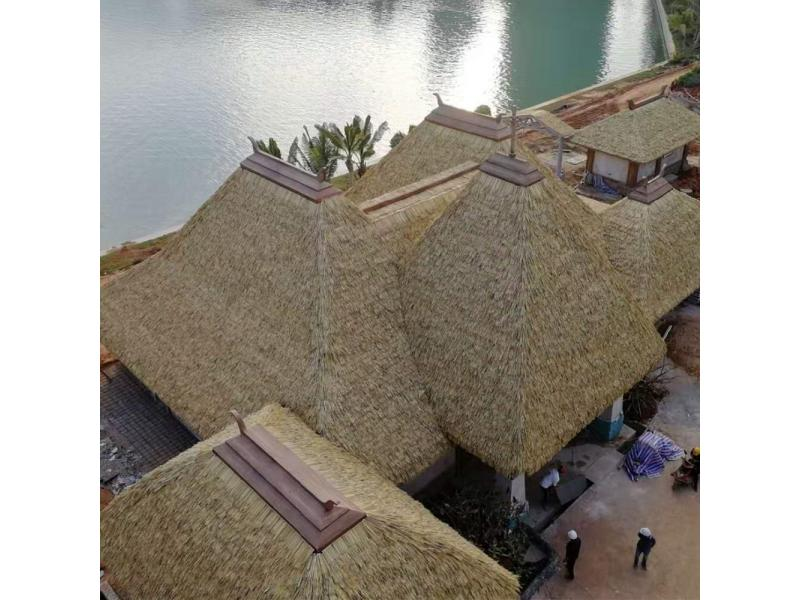 Eco-friendly Extrusion PVC PE Plastic African Tropical Thatched Shed Roof Artificial Synthetic Palm
